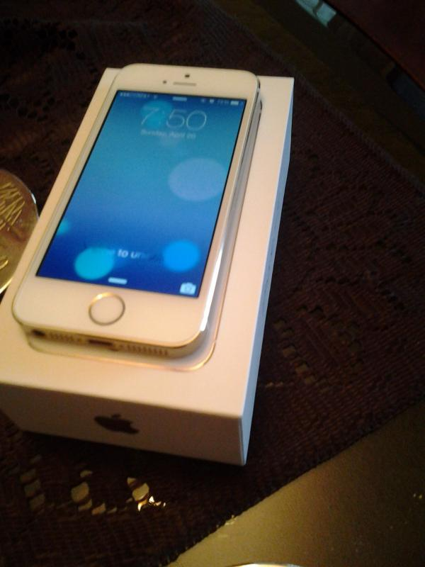 for trade unlocked apple iphone 5s 16gb gold. Black Bedroom Furniture Sets. Home Design Ideas