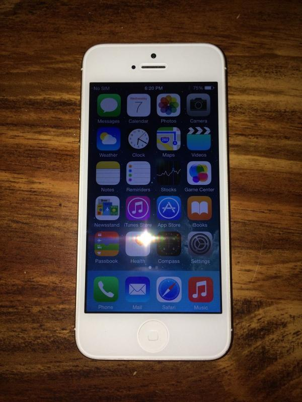 Sold Rare Apple Iphone 5 16gb At Amp T White Amp Champagne