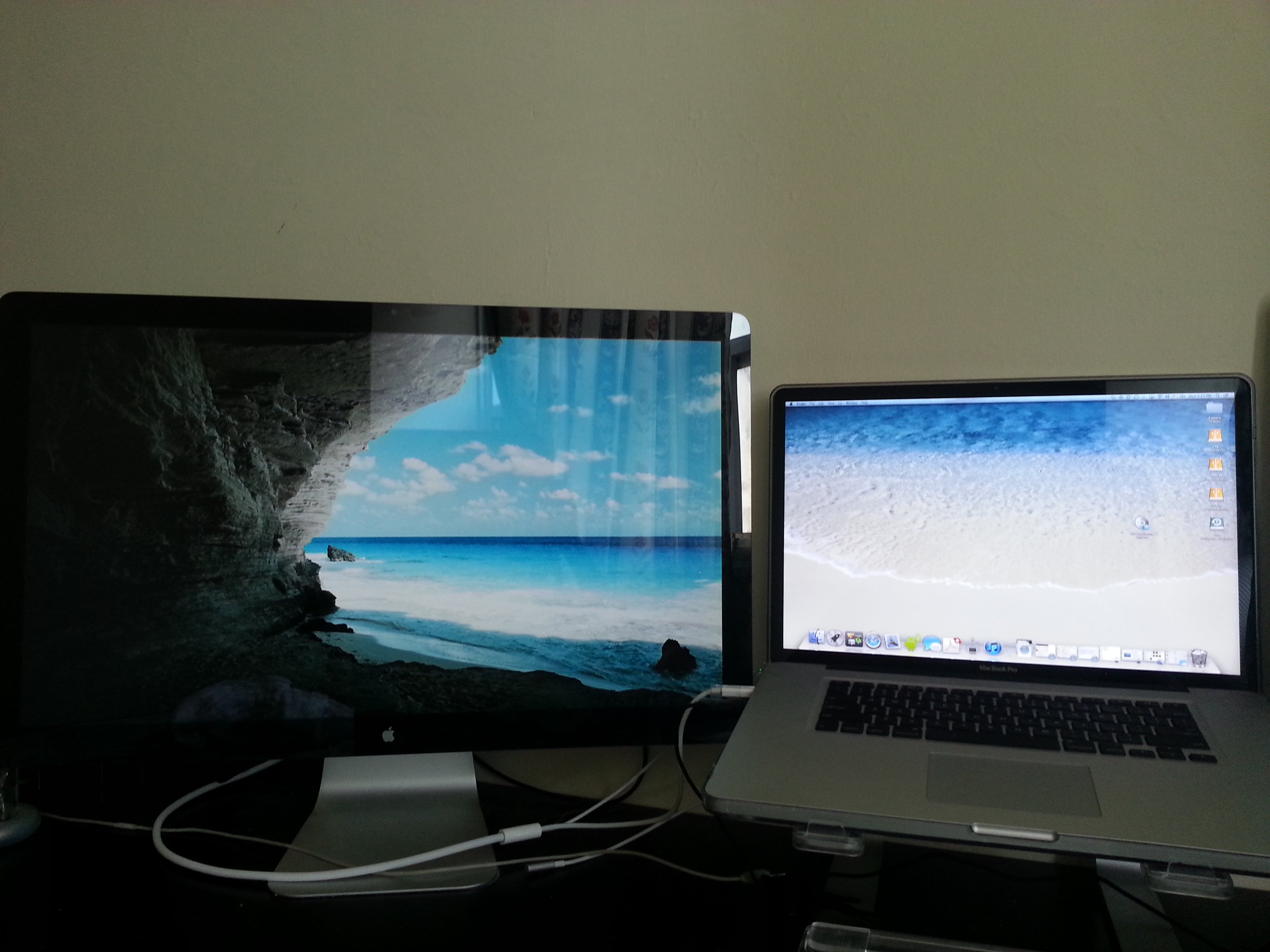 For Sale Macbook Pro 17 Inch Inch With Apple 24 Inch Led