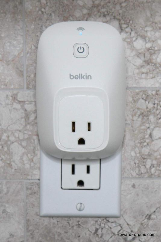 While The WeMo Is Relatively Large Its Shaped Such That It Only Takes Up One Outlet