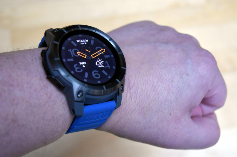 Name:  nixon-01-wrist.jpg